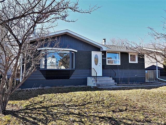 5622 60 Avenue, 3 bed, 2 bath, at $219,900