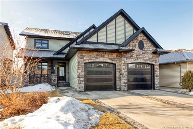 50 Oaklands Crescent, 6 bed, 4 bath, at $599,900