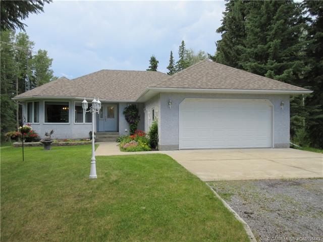 5608 40 Street, 3 bed, 3 bath, at $439,900