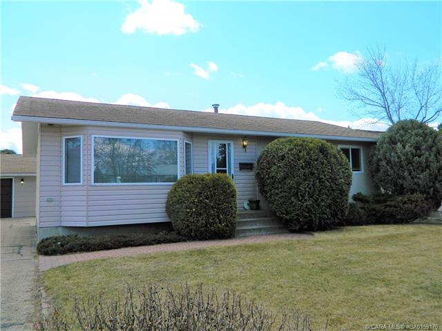 5035 39 Street, 3 bed, 2 bath, at $239,900