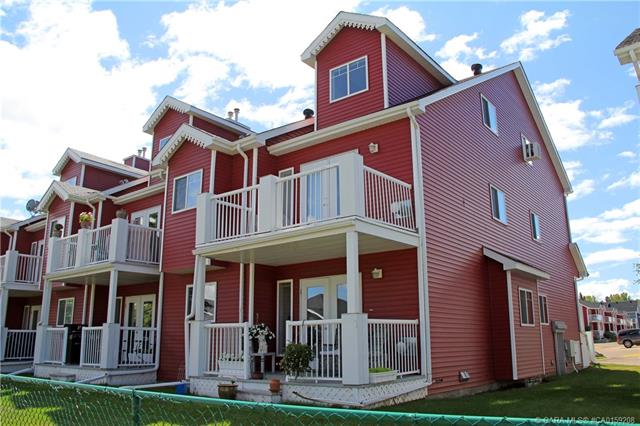 5220 50 A Avenue, 3 bed, 2 bath, at $200,000