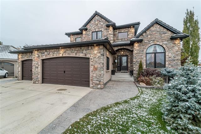 20 Ash Close, 7 bed, 6 bath, at $995,000