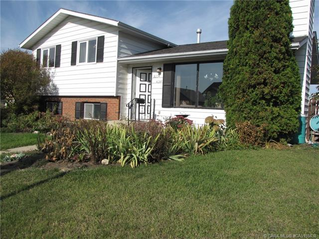 5224 42 Street, 3 bed, 3 bath, at $249,900