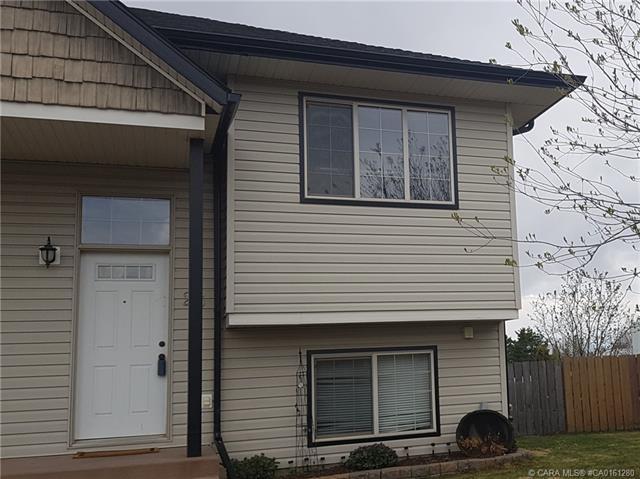 25 Prairie Ridge Close, 2 bed, 2 bath, at $219,900