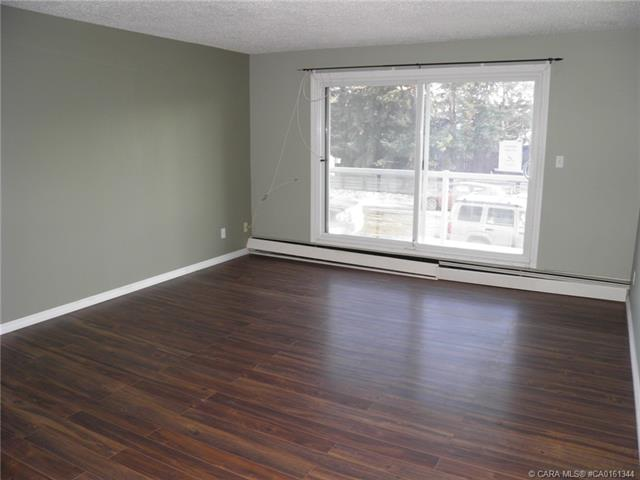 5812 61 Street, 2 bed, 1 bath, at $70,000