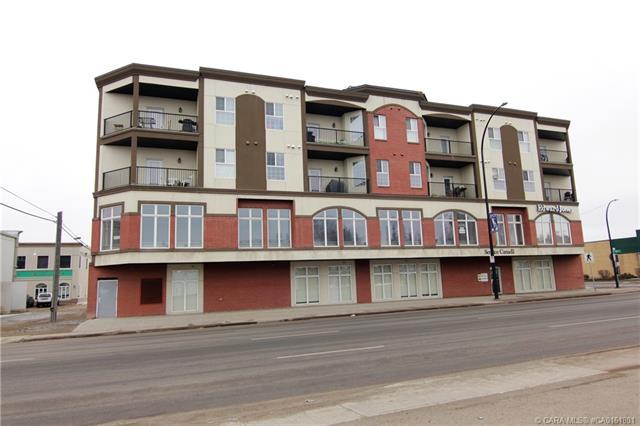 4901 46 Street, 2 bed, 2 bath, at $249,000
