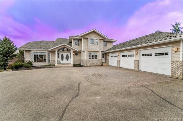 28364 Township Road 384, 5 bed, 4 bath, at $699,000