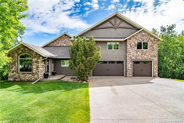 38261 Range Road 261, 4 bed, 3 bath, at $799,900