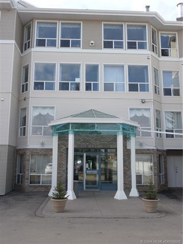6118 53 Avenue, 2 bed, 2 bath, at $299,900