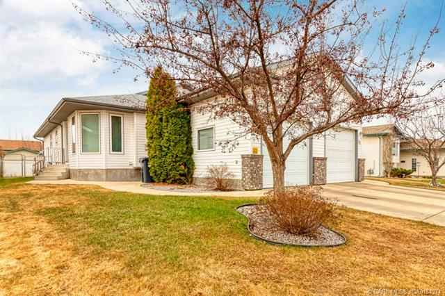 37 Lawrence Crescent, 3 bed, 2 bath, at $290,000