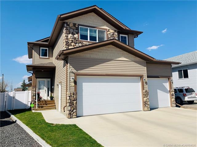 38 Henderson Crescent, 4 bed, 4 bath, at $421,900