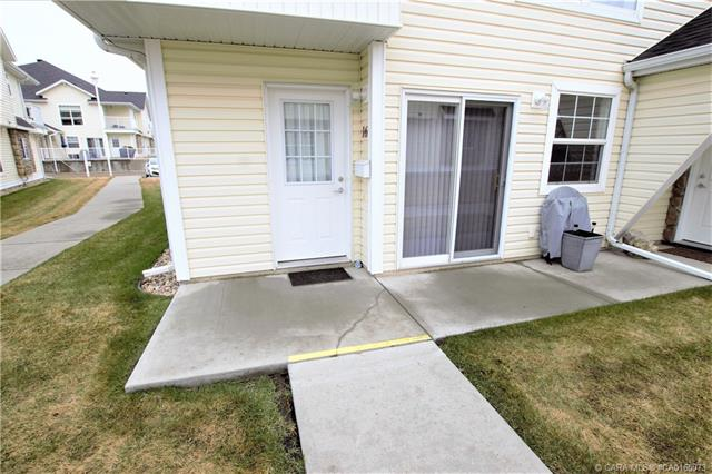 33 Jennings Crescent, 1 bed, 1 bath, at $144,900