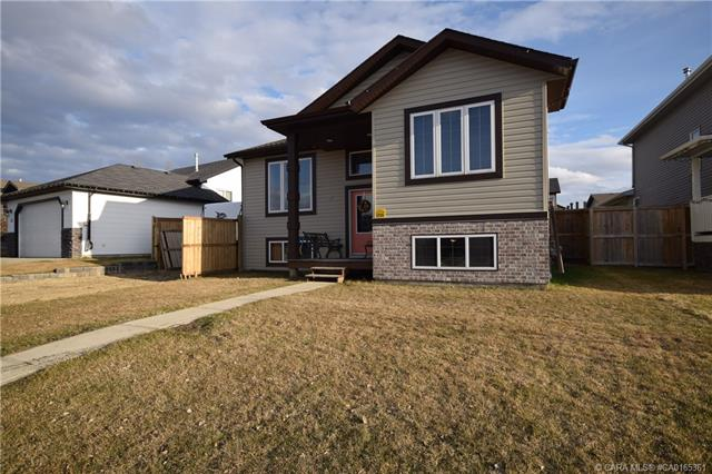 58 Pondside Crescent, 4 bed, 2 bath, at $285,000