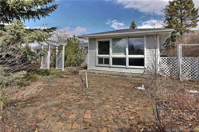 4132 50 Street, 3 bed, 2 bath, at $219,900