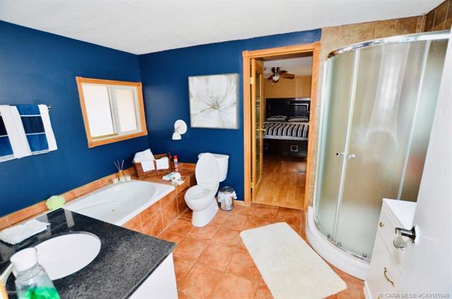 6834 59 Avenue, 2 bed, 1 bath, at $34,000