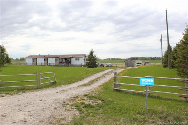 382060 Range Road 44, 3 bed, 2 bath, at $220,000
