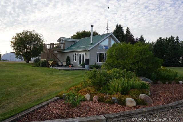 18307 Township Road 42 4, 3 bed, 2 bath, at $449,000