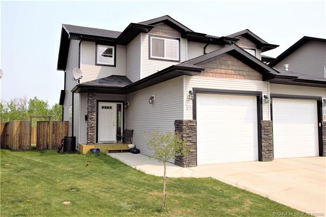 73 Pinetree Close, 3 bed, 3 bath, at $252,500