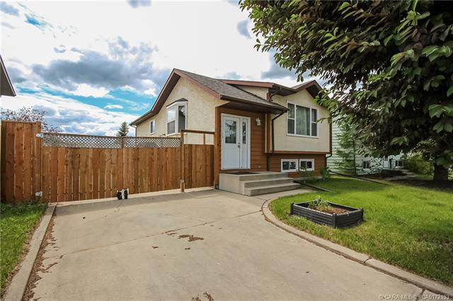 17 Westview Crescent, 5 bed, 2 bath, at $242,000