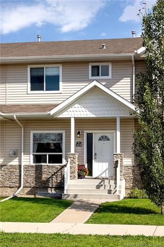 2413 B Valleyview Drive, 3 bed, 4 bath, at $265,000