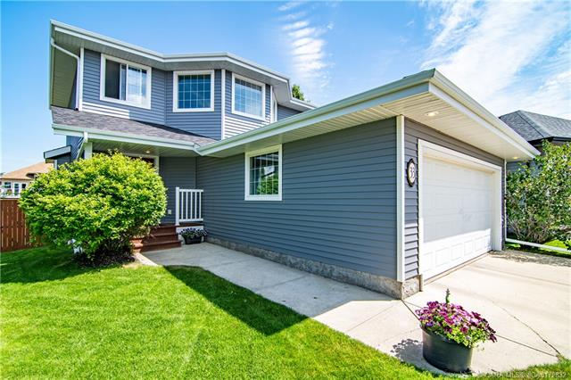 33 Ladwig Close, 3 bed, 4 bath, at $434,900