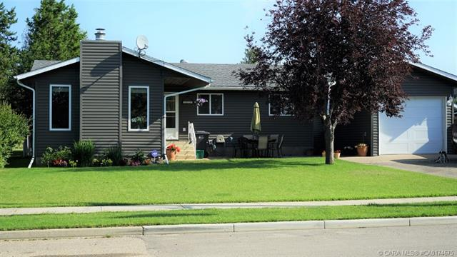 5224 54 Avenue, 2 bed, 3 bath, at $289,000