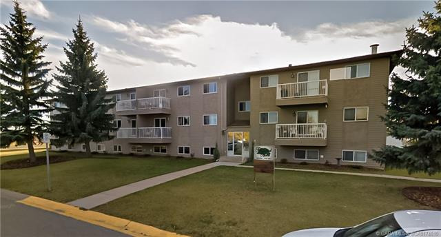 4808 45 Street, 2 bed, 1 bath, at $105,500