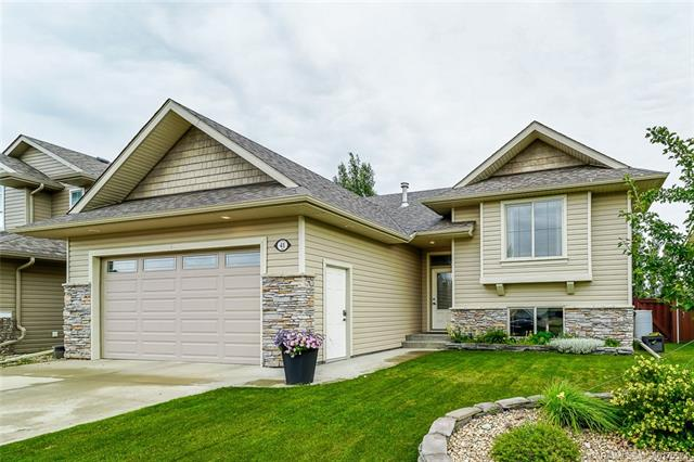 41 Estella Crescent, 4 bed, 3 bath, at $414,900