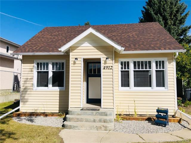 4912 51 Avenue, 2 bed, 2 bath, at $115,000