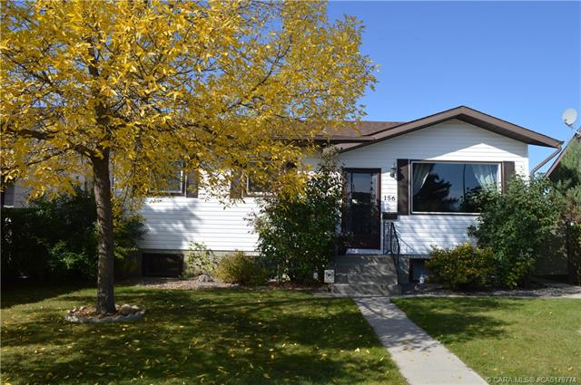 156 Westview Crescent, 5 bed, 2 bath, at $260,000