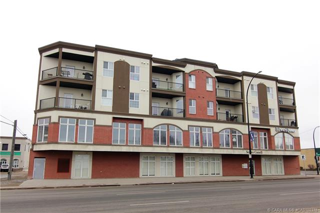 4901 46 Street #406, 2 bed, 2 bath, at $229,000