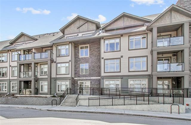 #115 25 ASPENMONT HT SW, 2 bed, 2.1 bath, at $488,800