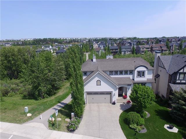 28 TUSSLEWOOD DR NW, 3 bed, 2.1 bath, at $999,900