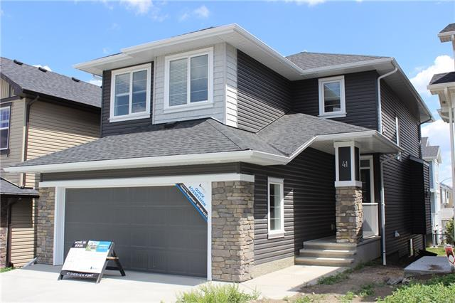 41 SHERVIEW PT NW, 3 bed, 2.1 bath, at $619,900