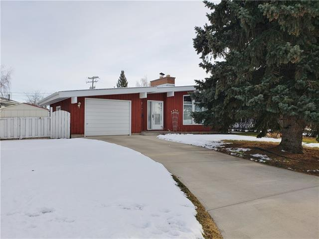 115 MAPLEGLADE CL SE, 4 bed, 1.1 bath, at $475,000