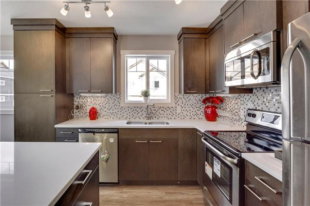 102 EVANSTON MR NW, 3 bed, 2.1 bath, at $369,900