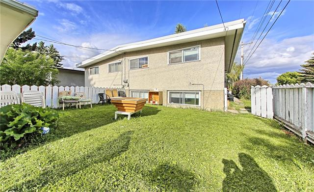 726 and 728 KINGSMERE CR SW, 3 bed, 2 bath, at $599,000