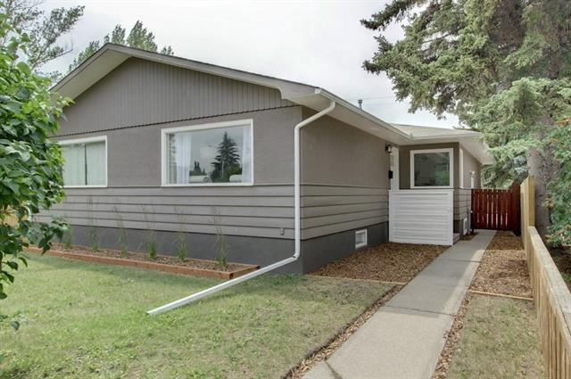 3041 37 ST SW, 3 bed, 2 bath, at $425,000