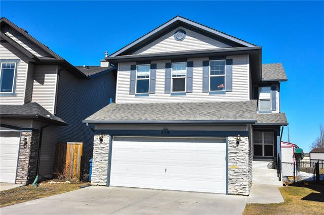 118 COUGARSTONE CL SW, 4 bed, 3.1 bath, at $599,900
