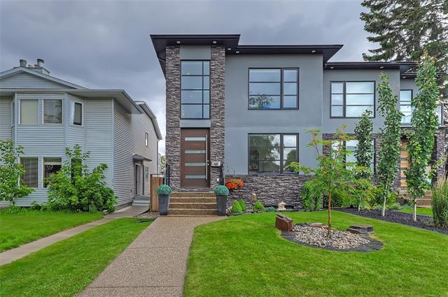 3922 18 ST SW, 4 bed, 3.1 bath, at $995,000