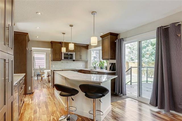12711 17 ST SW, 6 bed, 3.1 bath, at $649,900