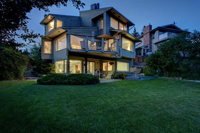 211 SILVER HILL WY NW, 4 bed, 3.1 bath, at $989,900