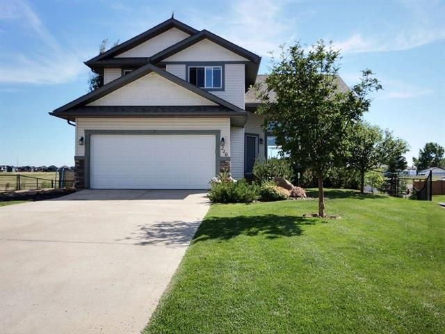 219 Railway CL SE, 3 bed, 3.1 bath, at $558,000