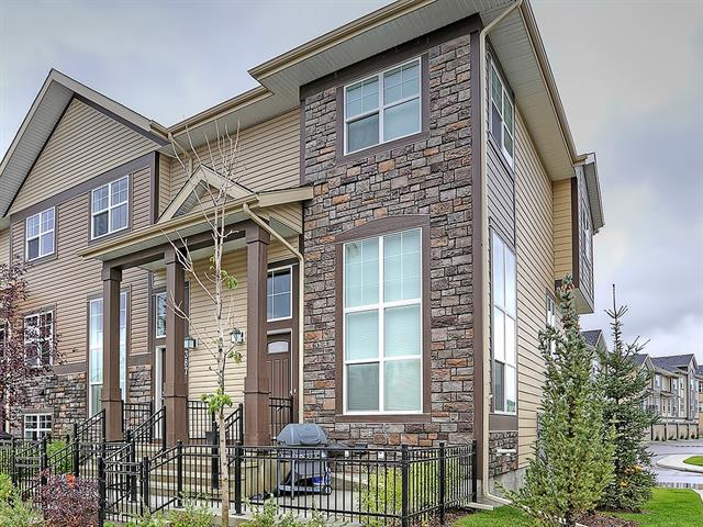 385 MCKENZIE TOWNE GA SE, 2 bed, 2.1 bath, at $334,500