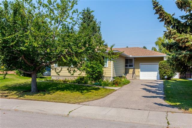 40 GOVERNOR DR SW, 4 bed, 2 bath, at $500,000