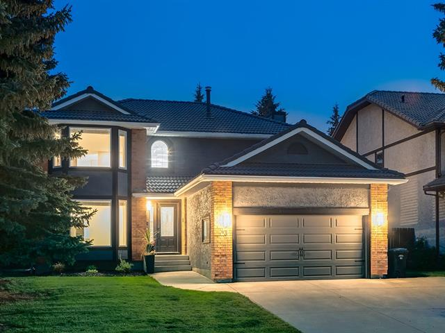 43 EDELWEISS CR NW, 4 bed, 3.1 bath, at $949,000