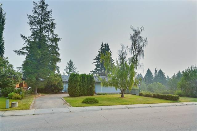 264 WILDWOOD DR SW, 4 bed, 2.1 bath, at $1,099,900