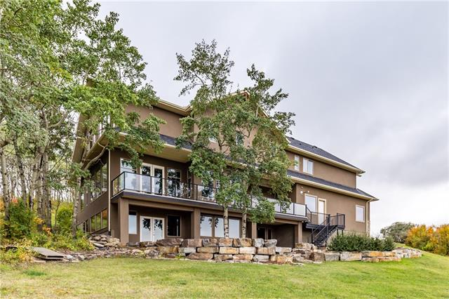 30 Bearspaw Valley PL , 5 bed, 4.1 bath, at $1,650,000