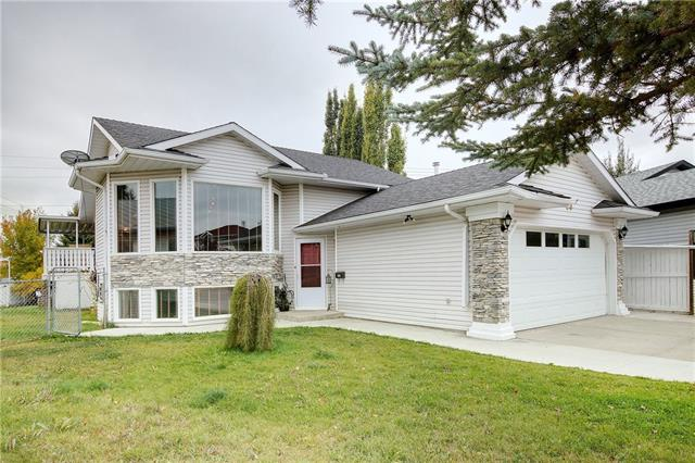 28 APPLEGROVE PL SE, 4 bed, 3 bath, at $442,000