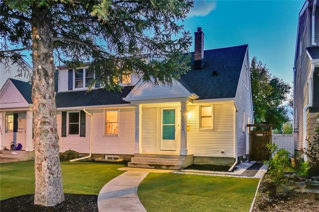 4603 PASSCHENDAELE RD SW, 2 bed, 1 bath, at $516,000